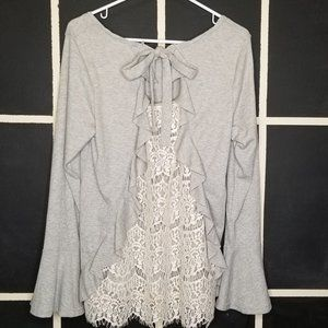UMGEE round neck lace back long bell sleeve top